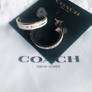 🕴 Coach rose gold hoop earring